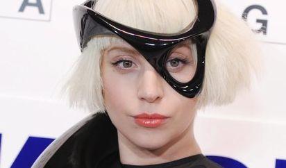 Bei jedem öffentlichen Auftritt inszeniert sich Lady Gaga neu als Kunstobjekt. (Foto)