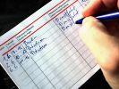 Das Fahrtenbuch sollten Autofahrer aufmerksam führen, sonst lassen sich manche Kilometer nicht von der Steuer absetzen. (Foto)