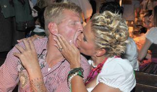 Darf es auch etwas mehr Zunge sein? Claudia und Stefan Effenberg. (Foto)
