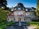 Der Ohlsdorfer Friedhof in Hamburg ist mit 405 Hektar Fläche der größte der Welt. Er beherbergt zahlreiche historische Bauten, rund 350.000 Grabstätten und eine große Vielfalt verschiedener Pflanzenarten. (Foto)