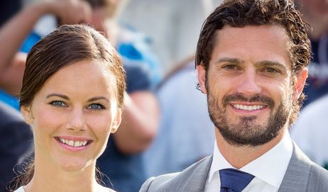 Seit 2015 hat Schweden eine neue Prinzessin: Aus der Bürgerlichen Sofia Hellqvist wurde mit der Hochzeit mit Prinz Carl Philip am 13. Juni Prinzessin Sofia. Ihr Stil ist auf jeden Fall königlich, wie dieses elegante Kleid beweist.