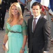 Prinzessin Madeleine ist das Küken der schwedischen Königsfamilie. Hier zeigt sich die Nummer sechs der schwedischen Thronfolge in entzückendem Türkis neben ihrem Bruder Prinz Carl Philip.