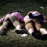 Suff und Busen-Knutscher! Die peinlichsten Promi-Bilder der Wiesn (Foto)