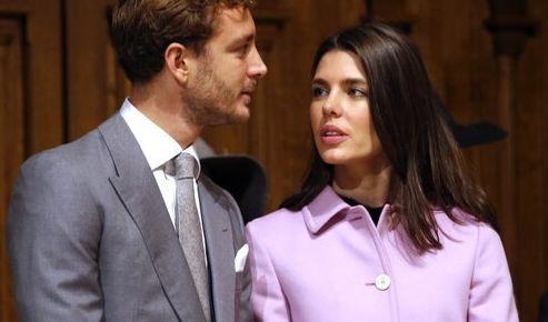 Die junge Generation der Grimaldis hat das modische Gespür in die Wiege gelegt bekommen. Hier punktet Charlotte Casiraghi, Tochter von Caroline von Hannover, mit einem fliederfarbenen Mantel.