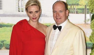 Mit ihren eleganten Outfits macht Charlène, Fürstin von Monaco, ihrem Stand alle Ehre - ihre Schwiegermutter Grace Kelly wäre stolz auf sie gewesen.