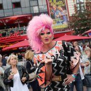 Wegen Volksverhetzung! Dragqueen stellt Anzeige gegen AfD (Foto)
