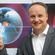 Oliver Welke präsentiert den Wochen-Rückblick (Foto)