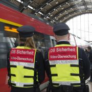 Mit Pfefferspray! Bahn rüstet sich gegen Gewalttäter (Foto)