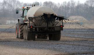 Durch Gülle-Düngung nimmt die Nitratbelastung des Grundwassers immer stärker zu. (Foto)