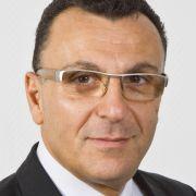 Dipl. med. Safi Hazzan ist Facharzt für Neurologie am Kompetenzzentrum RLS und Beinschmerzen in Düsseldorf.