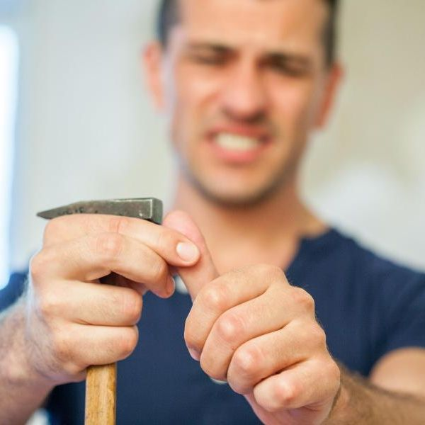 Finger ab, Stromschlag, Quetschung! Das hilft im Notfall (Foto)