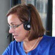 Marie-Luise Neuheuser ist Ansprechpartnerin der Deutschen Restless Legs Vereinigung e.V. und selbst RLS-Patientin sowie Leiterin der RLS-Selbsthilfegruppe Alb-Donau-Kreis. Hier hilft sie einem interessierten Anrufer beim Lesertelefon weiter.
