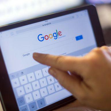 DIESE Begriffe sollten Sie NICHT bei Google suchen (Foto)