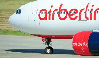 Hunderter Air-Berlin-Mitarbeiter bangen um ihre Jobs. (Foto)