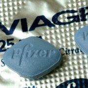 GANZE Familie verdiente sich mit Fake-Viagra goldene Nase (Foto)