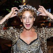 Sissy Perlinger sagt nein zum Dirndl: Die Entertainerin setzte lieber auf ihren angestammten Leoparden-Look als auf ein bayrisches Wiesn-Gewand.