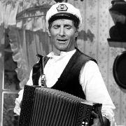 Als singender Seemann spielte sich Freddy Quinn in die Herzen seiner Fans.