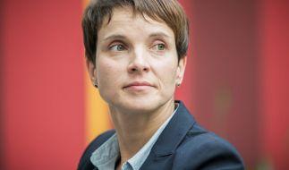 """Frauke Petry """"solidarisiert"""" sich mit Muslimen und warnt vor Verurteilung Sachsens. (Foto)"""