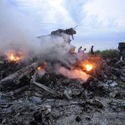 Ermittler sicher: Flug MH17 von russischer Rakete abgeschossen (Foto)