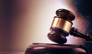 In Hamburg hat der Prozess gegen einen 50-jährigen Mann begonnen, der 18 Mal auf seine Ex-Frau eingestochen hat. (Foto)