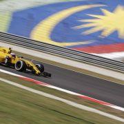 Flammen-Schock! Formel-1-Fahrer rettet sich in letzter Sekunde (Foto)
