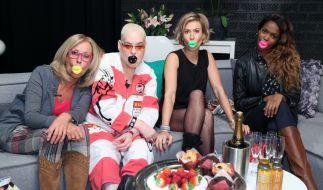 """Margarethe Schreinemakers, Hella von Sinnen, Wolke Hegenbarth und Oti Mabuse bei """"Promi Shopping Queen"""". (Foto)"""