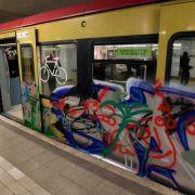 Zwei Männer von S-Bahn erfasst und getötet (Foto)
