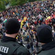 """Polizist wünscht Pegida """"einen erfolgreichen Tag"""" (Foto)"""