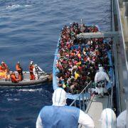 Mittelmeer-Drama! 3 Babys während Flüchtlings-Rettung geboren (Foto)