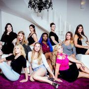 Neun Kandidatinnen treten in der Model-Show von Stardesigner Harald Glööckner an.