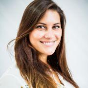 Die 23-Jährige Celine aus Mannheim ist in ihrer Freizeit eine leidenschaftliche Sängerin.