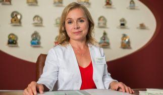 """ChrisTine Urspruch am Set der TV-Serie """"Dr. Klein"""". Die Schauspielerin schlüpft darin in die Rolle einer Kinderärztin. (Foto)"""