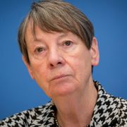 Nur ein Handschlag? Umweltministerin empfängt Ex-Geiselnehmerin (Foto)
