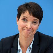 Trifft sich Frauke Petry mit Nazi-Aktivisten? (Foto)