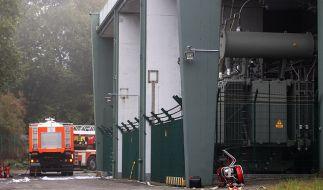 """Nach einem Großbrand im Umspannwerk """"Donnerkuhle"""" sind weite Teile von Hagen ohne Strom. (Foto)"""