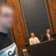 Mathe-Aufgabe endet blutig! Angeklagter gesteht Messerattacke (Foto)