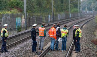 Die Ermittler suchen nach dem tragischen Zugunglück in Hannover immer noch nach der Unfallursache. (Foto)