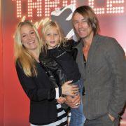 Janine Kunze mit ihrem Mann Dirk Budach und ihrer ältesten Tochter Lili.