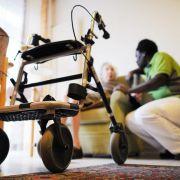 90-Jähriger droht in Arztpraxis - Polizei findet Waffe im Rollator (Foto)
