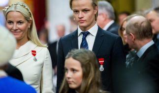 Mette-Marit von Norwegen und ihr Sohn Marius Borg Høiby. (Foto)