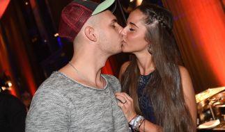 Schwer verliebt: So kennt man das Traumpaar Sarah und Pietro Lombardi. (Foto)