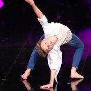 Der jüngste im Bunde ist Leon Strach (14) aus Erkrath. Seit zehn Jahren tanzt er und möchte die Herzen mit einem Contemporary gewinnen.