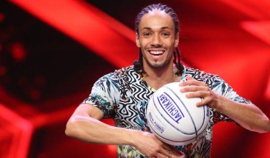 Basketball-Jongleur Michael van Beek (30) zeigt ausgefallene Tricks. Er konnte mit seiner Show bereits das US-Publikum überzeugen.