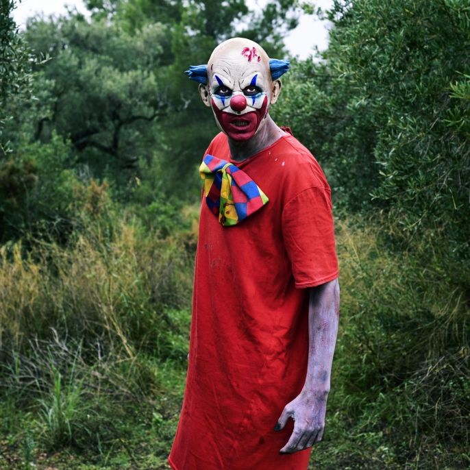 Im News-Ticker: Messer-Angriff! 14-Jähriger verletzt Horror-Clown (Foto)
