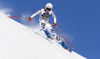 Die Deutsche Viktoria Rebensburg beim Abfahrtstraining vor dem Weltcup-Finale in St. Moritz im März 2016. (Foto)