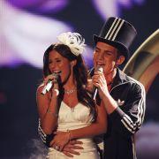 Dort gaben sie bereits das DSDS-Traumpaar und spielten auf der TV-Bühne singenderweise bereits ihre Hochzeit nach - ihre Interpretation von