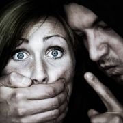 Sex-Attacke von 17 Männern auf 2 Frauen (Foto)