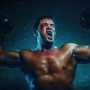 Sam Eisenstein (Marian Öztürk) als Rocky Balboa