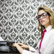 Beliebte Lehrerin (27) dreht Schulmädchen-Pornos (Foto)