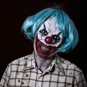 Horror-Clown sticht in Münchner Park auf Mann ein (Foto)